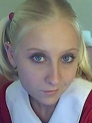 schoolgirl showing her butt on cam