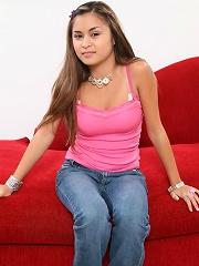 Pretty filapina teen Michelle Maylene worships huge dick